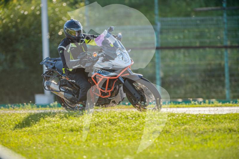 MOTO - jízdy veřejnosti 25.8.2020 - 1. jízda - 0_TRC_0564