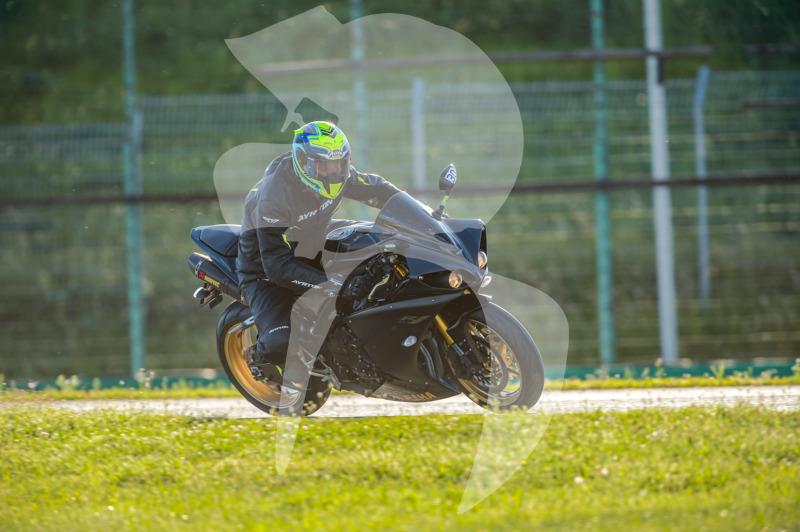 MOTO - jízdy veřejnosti 25.8.2020 - 1. jízda - 0_TRC_0584