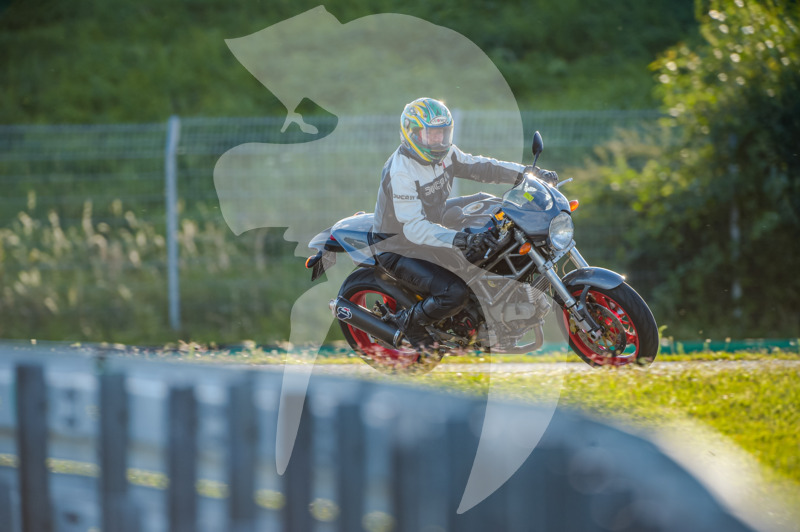 MOTO - jízdy veřejnosti 25.8.2020 - 1. jízda - 0_TRC_0574